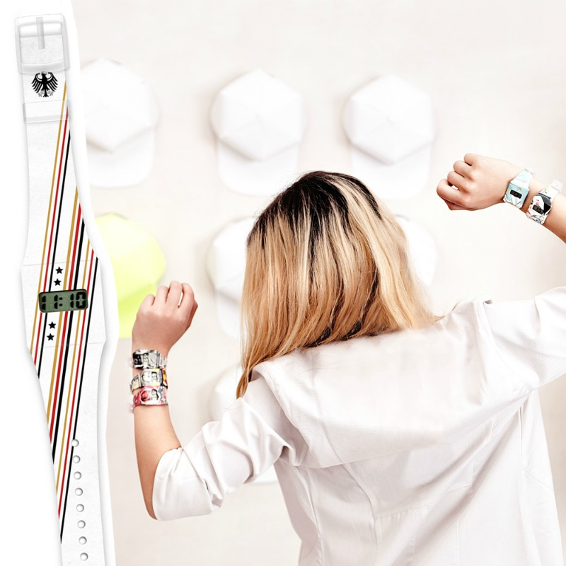 Gewinne 3 x 1 Pappwatch zur EM 2016 im designupdate-Shop
