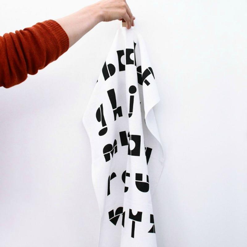 Snug.ABC Tea Towel - Das Geschirrtuch für Typolover
